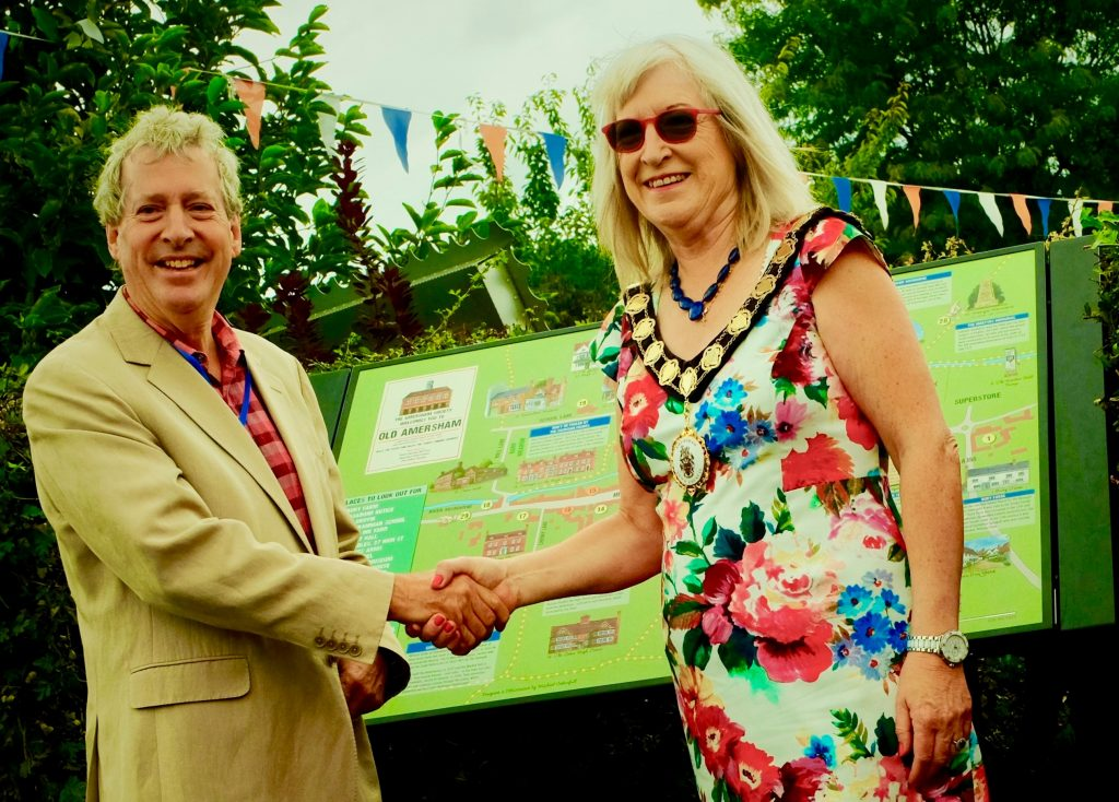 Martin Pounce and Caroline Jones unveiling the Town Map, 9 Sep 2018